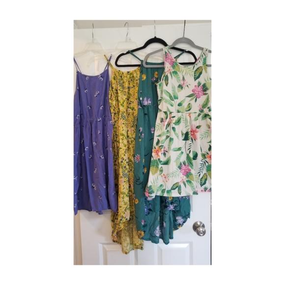 Bundle of (4) Old Navy summer floral midi dresses